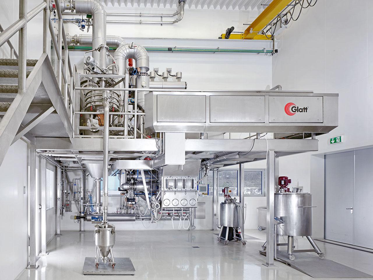 Fluid bed/spouted bed pilot plant in Glatt Ingenieurtechnik's technology center in Weimar, Germany